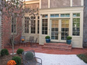 Comfortable urban courtyard garden reflects historic roots, Harrisburg, PA