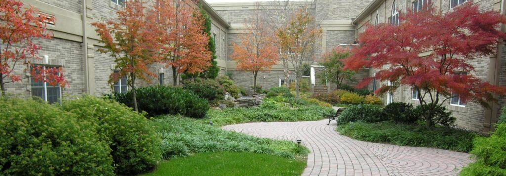Wedding photo courtyard, Lancaster, PA